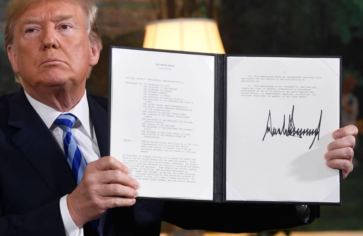"""La sfida di Trump all'Iran: """"Fuori dall'accordo nucleare"""""""