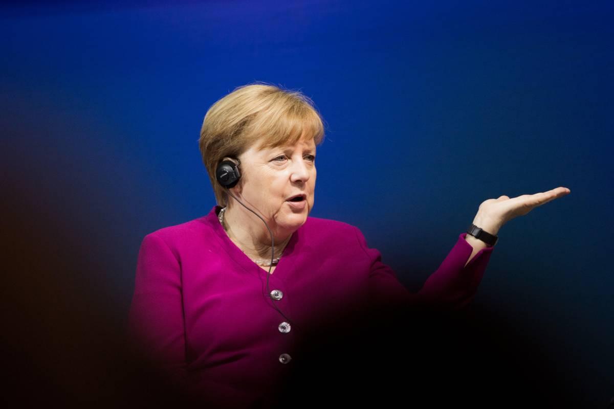 """G7, Merkel contro Conte sulla Russia: """"Sanzioni? Era meglio parlarne prima"""""""