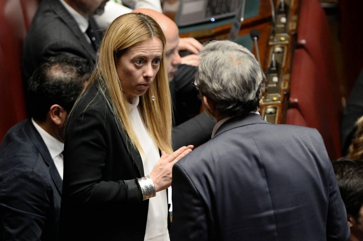 """Meloni (FdI) e i grillini: """"Ora impeachment per Mattarella"""""""