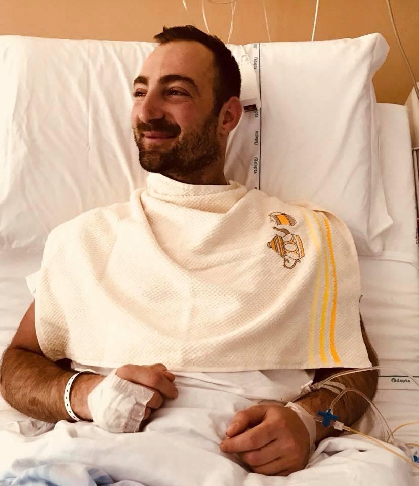 """Milano, parla il rider che ha perso una gamba: """"Colpa delle buche"""""""