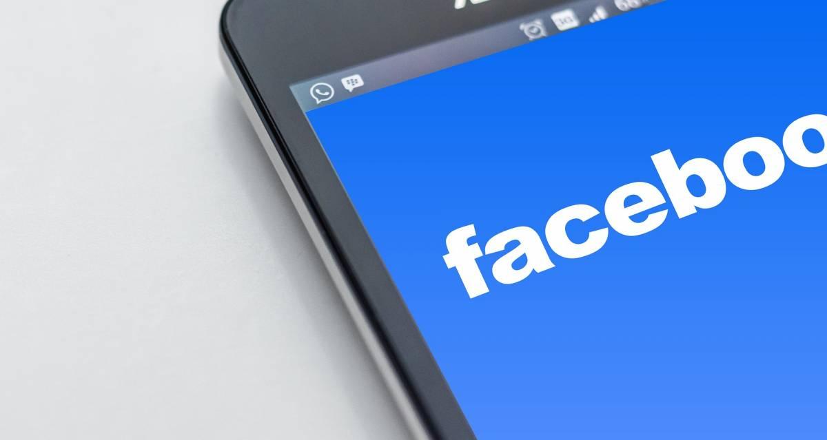 Facebook cambia l'autenticazione: niente più SMS