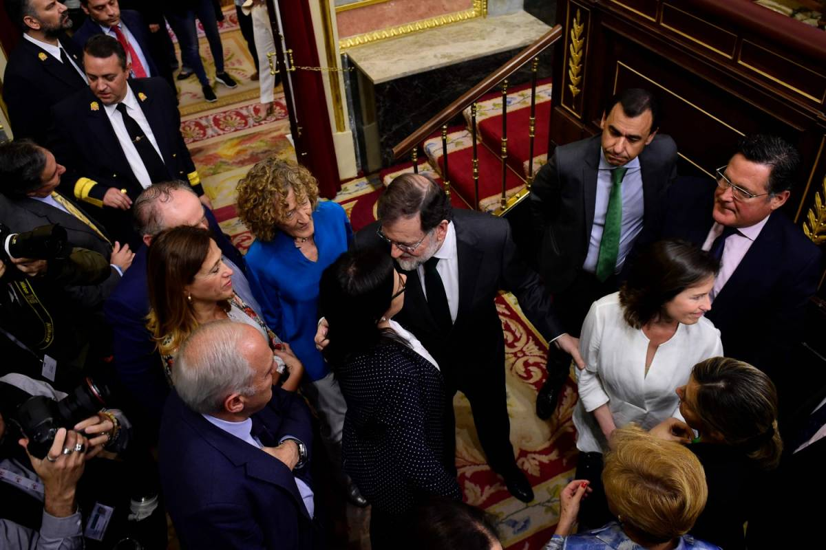 Rajoy ammette la sconfitta. Pedro Sanchez è il nuovo premier