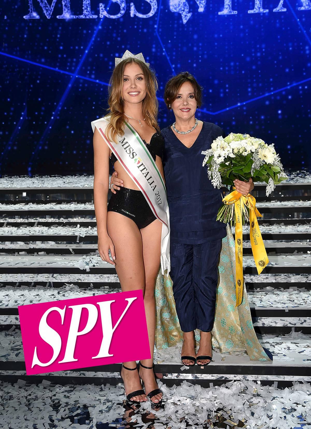 """L'organizzatrice di Miss Italia: """"Una donna non deve coprirsi per paura di essere violentata"""""""