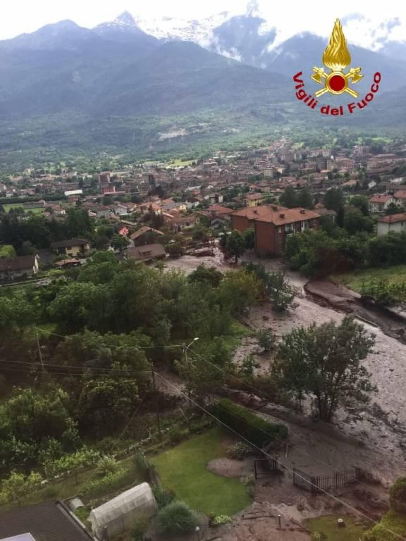 Colombia, 8 case seppellite da una frana: almeno 14 morti