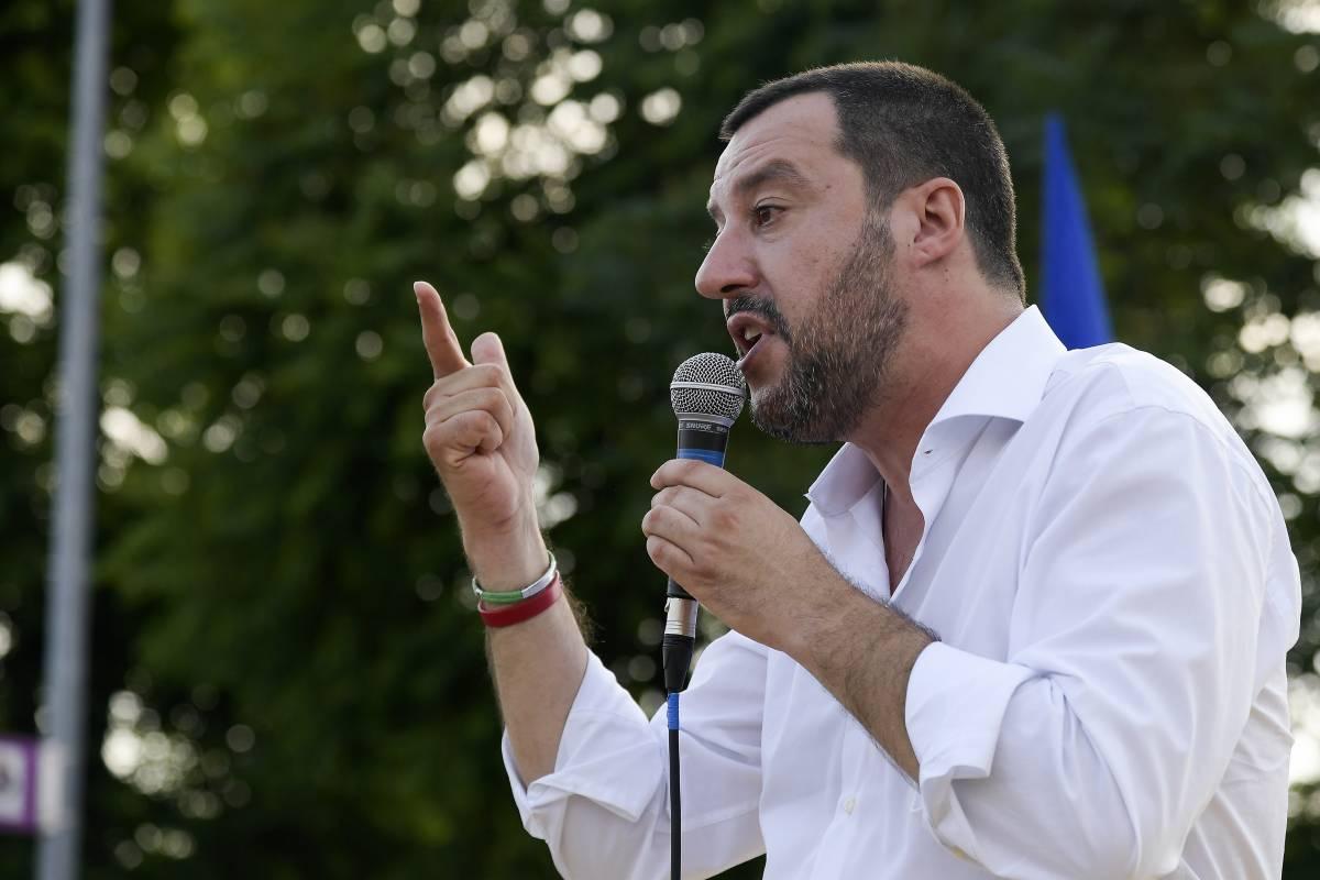 """Salvini risponde a Macron: """"Non prendo lezioni da lui"""""""