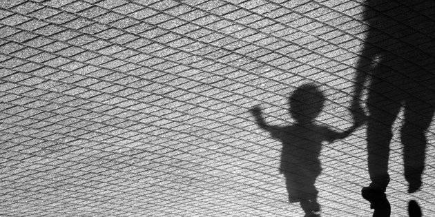 Milano, bimba di 7 mesi ingoia un tappo e muore