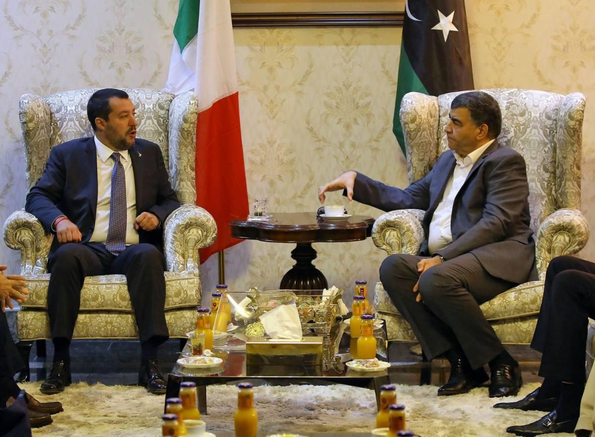 """Migranti, Salvini vola a Tripoli: """"Hotspot ai confini esterni della Libia"""""""