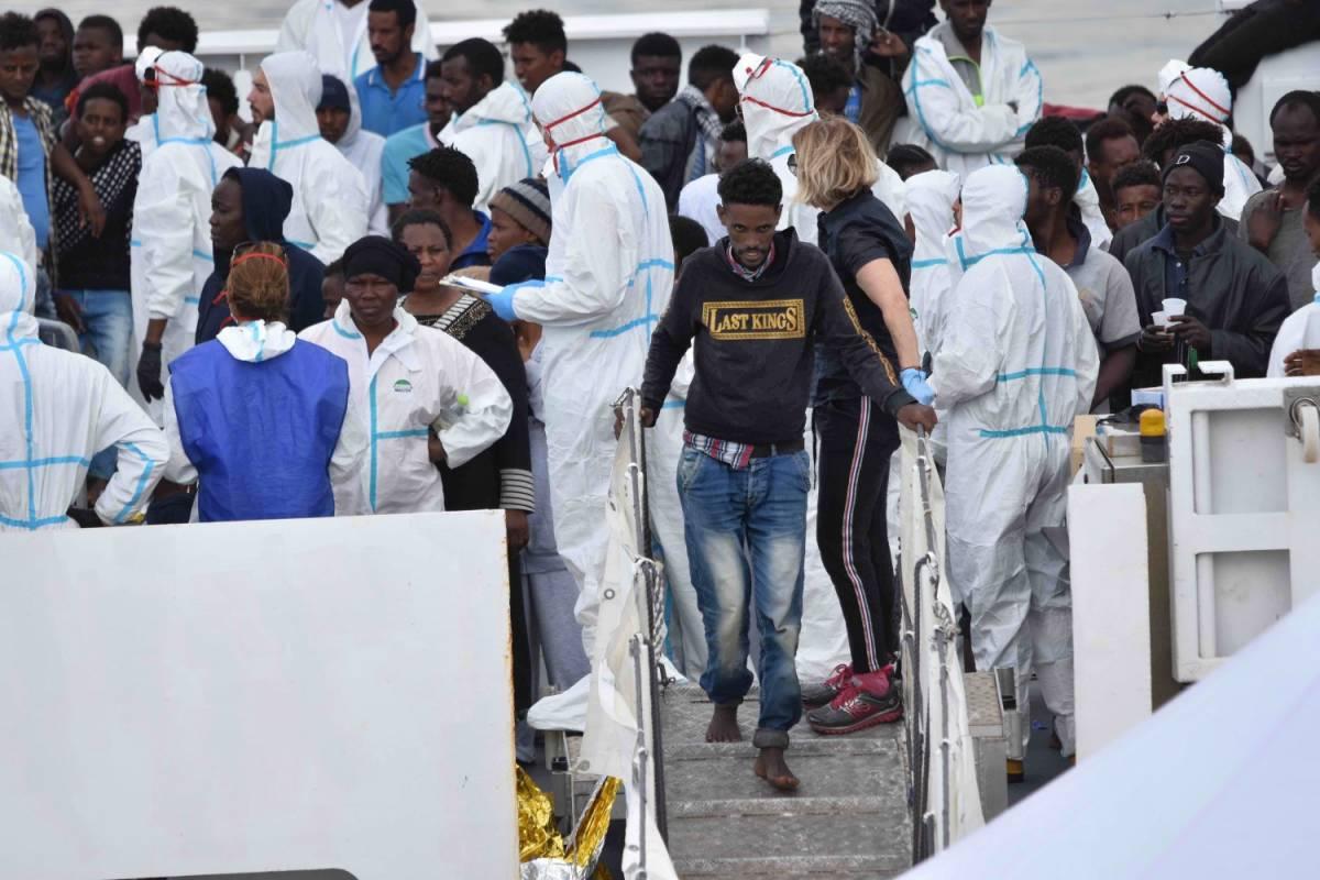 Salvini taglia l'accoglienza: meno servizi per i migranti