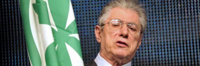 Umberto Bossi chiede l'affidamento ai servizi sociali