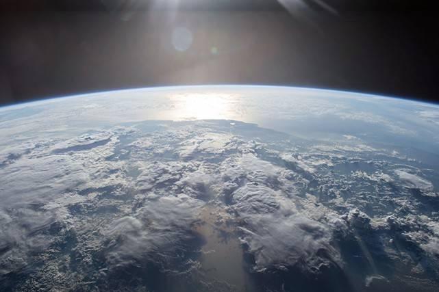 """Gli Stati Uniti annunciano la loro """"Space Force"""""""
