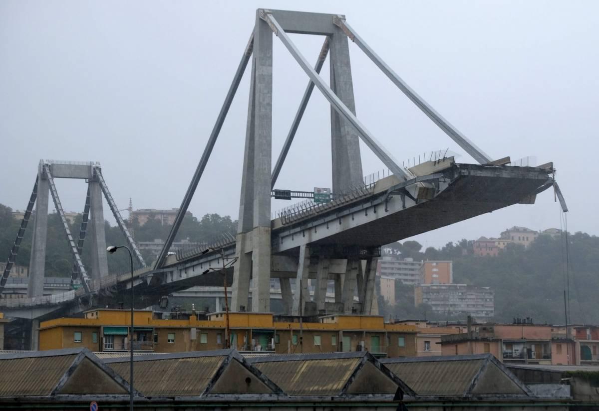 """I """"No Gronda"""" sul sito del M5s: """"Il crollo del ponte? Una favoletta"""""""