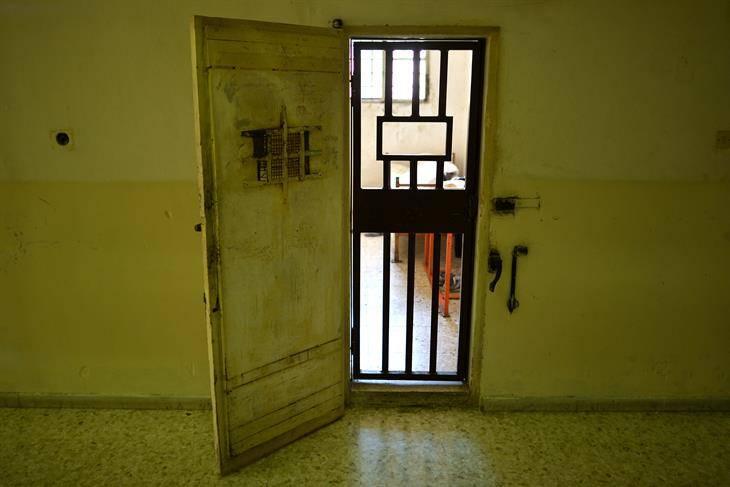 Trans accusata di stupro violenta detenute in carcere femminile