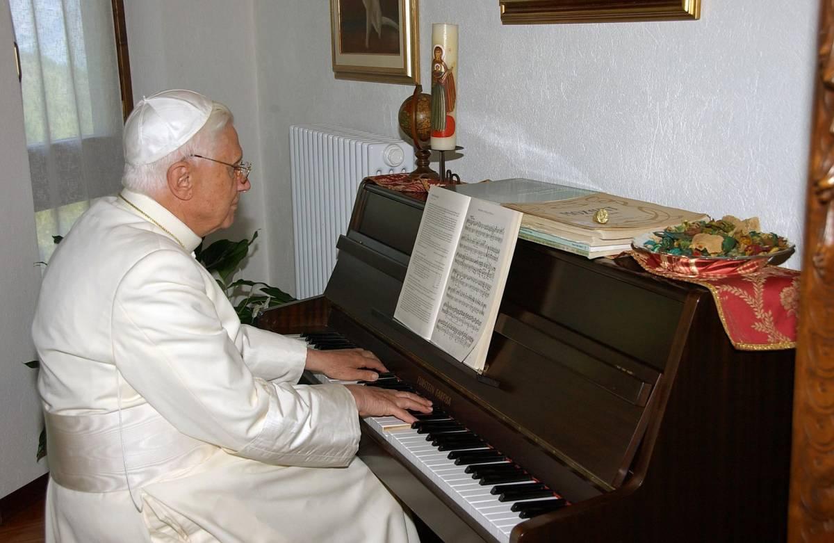 Adesso spunta una lettera di Benedetto XVI sulla rinuncia
