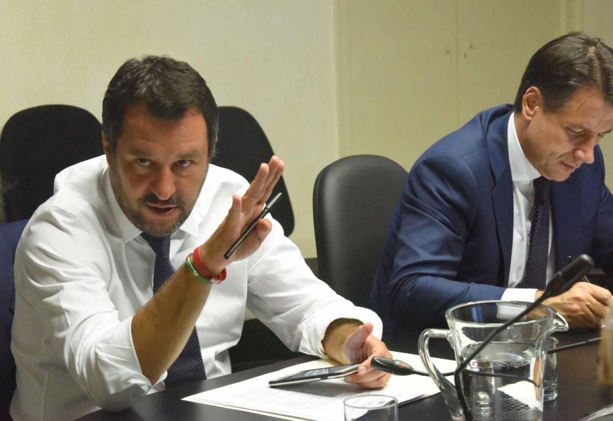 """Salvini sull'Ue: """"Pensa a ora legale ma non all'immigrazione illegale"""""""