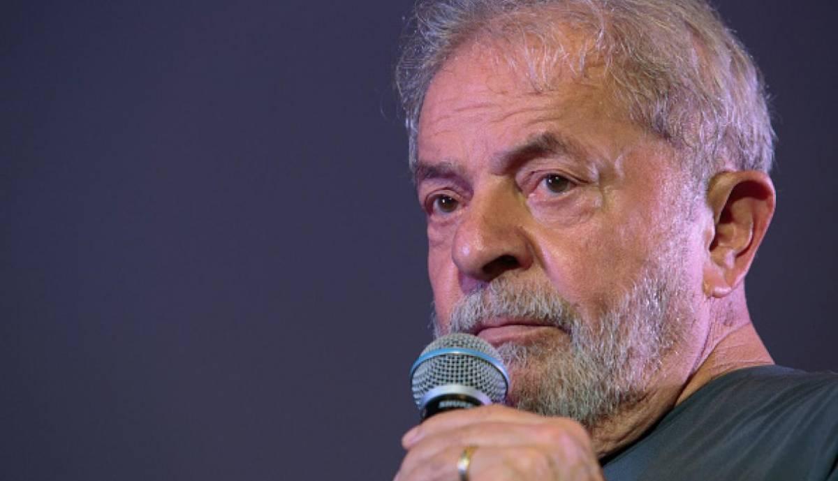 Brasile, l'ex presidente Lula non può essere candidato