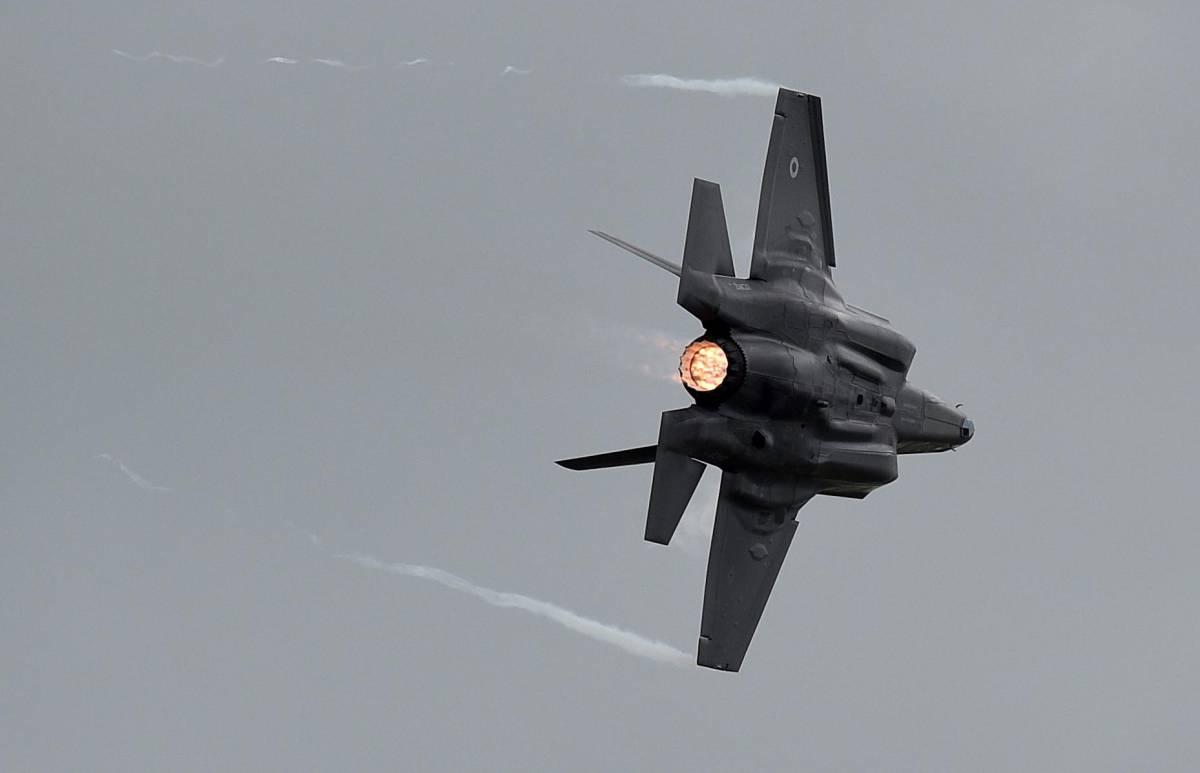 """F-35, ennesima giravolta M5S: """"Non possiamo dire no a questa tecnologia…"""""""