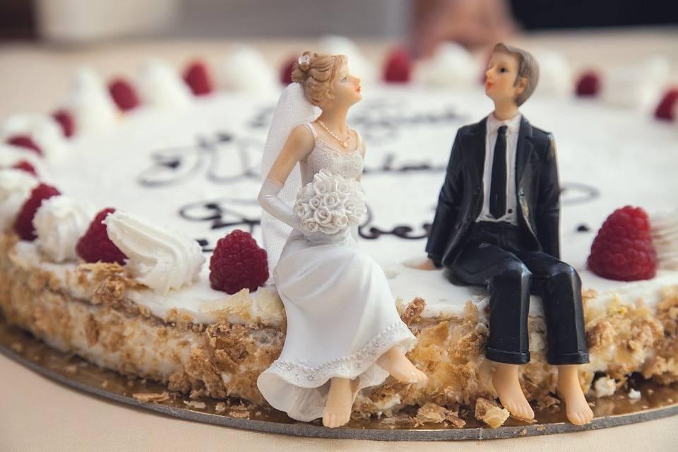 Sempre più matrimoni finiscono per colpa dei social network
