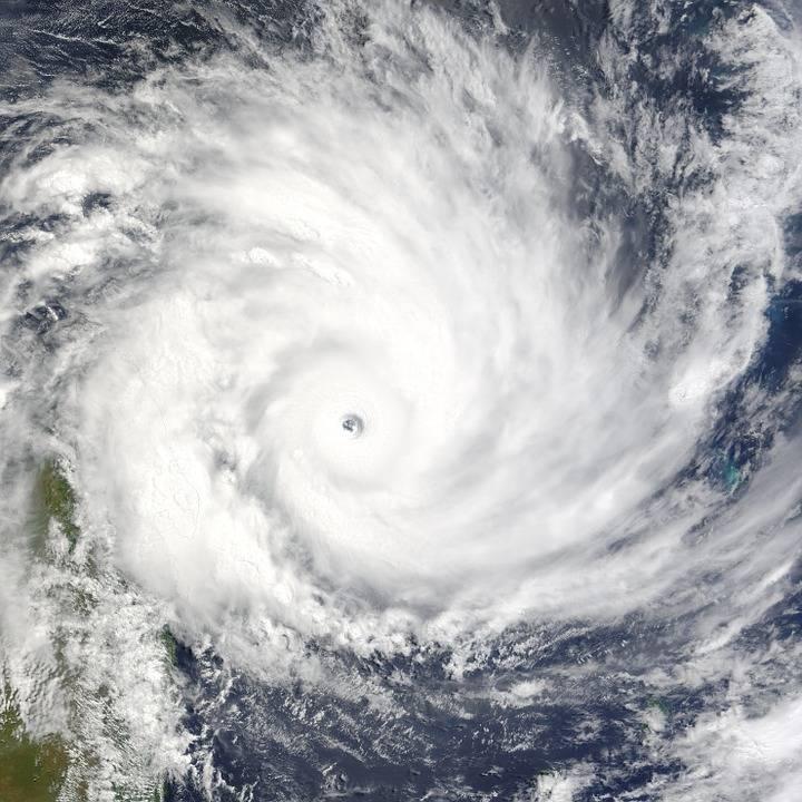 Uragano Florence sempre più potente, spaventa la East Coast