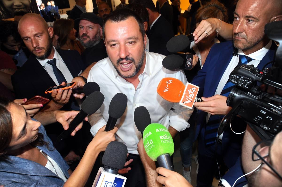 """La proposta di Salvini: """"Ora bisogna riconoscere prostituzione come lavoro"""""""