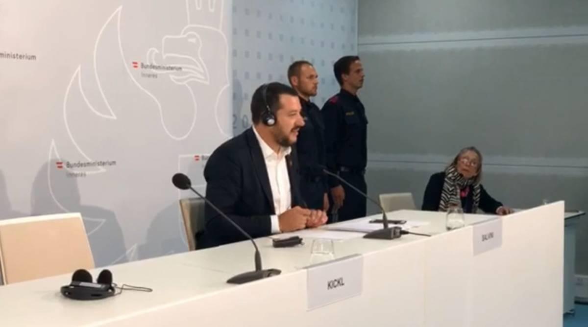 """""""Quel ministro è stato volgare"""". Così Salvini zittisce Asselborn"""