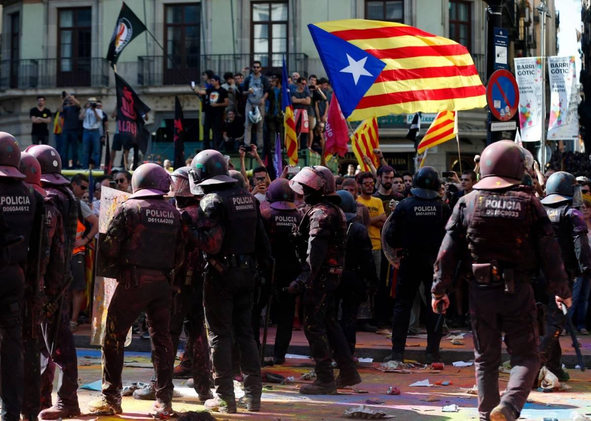 """I conti sballati degli indipendentisti catalani. Irrilevanti per Madrid e """"sotto scacco"""" Psoe"""