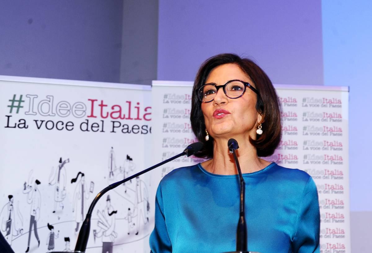 """Milano, convention di Forza Italia, Gelmini: """"L'altra Italia che non campa sul divano"""""""