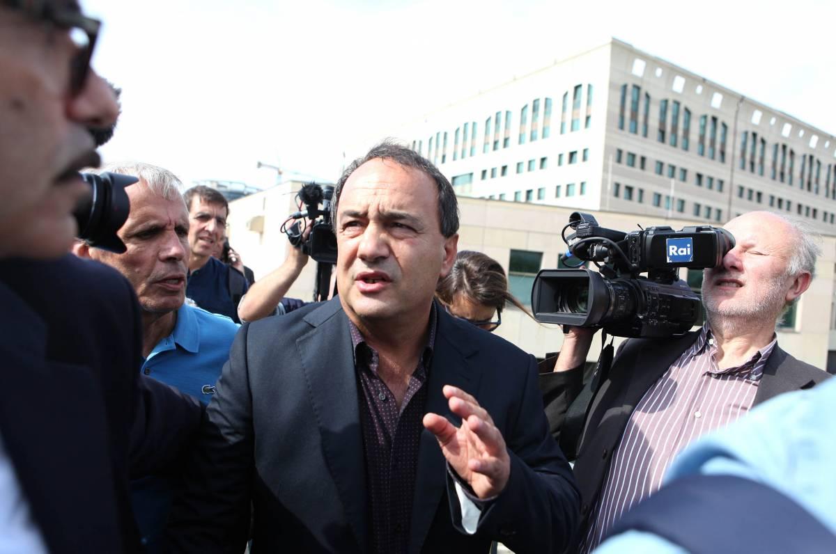 Nuovi guai  per Lucano: accusato di truffa e falso