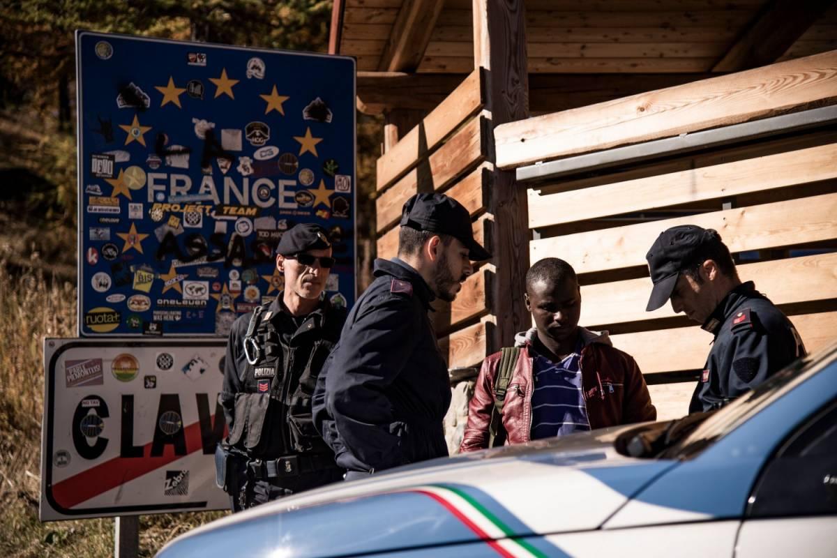 """Confine di Claviere, la denuncia del Viminale: """"La Francia riporta in Italia i migranti minori"""""""