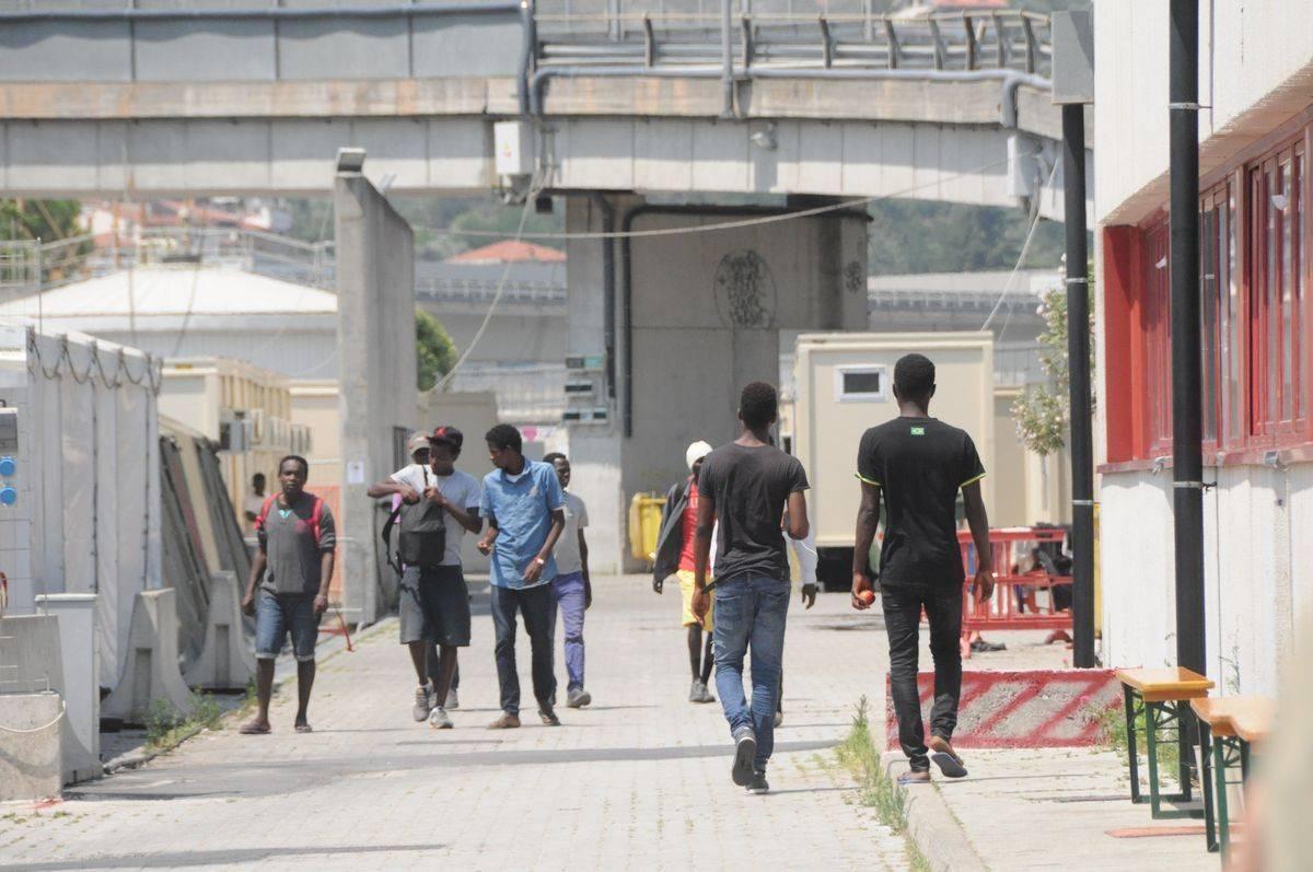 Le carte di credito ai migranti di cui l'Onu non vuole che si parli