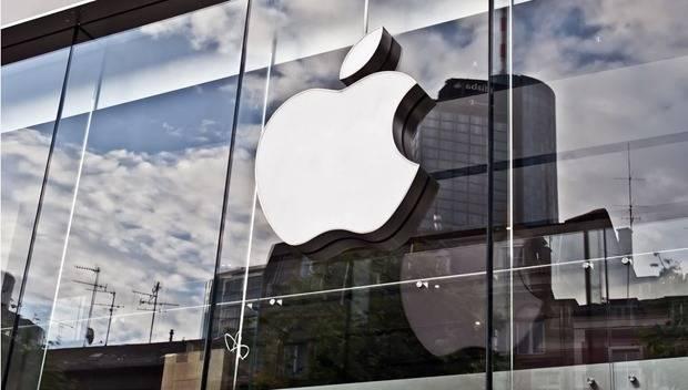 """""""Arrestato per colpa della Apple"""". E fa causa per 1 miliardo"""