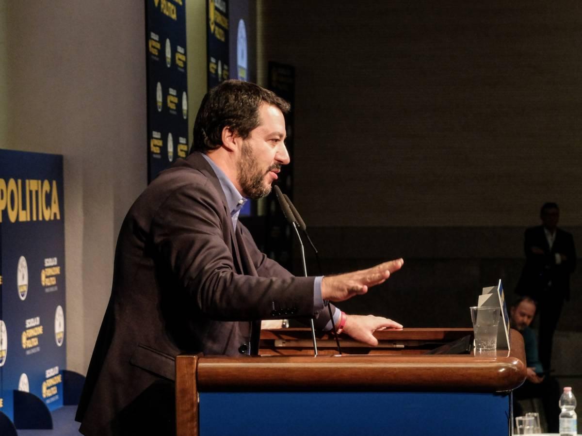 "Salvini ribatte alla Merkel: ""Rischio guerra in Ue arriva da euroburocrati"""