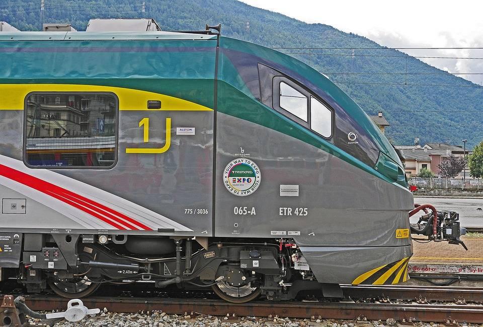 Scappa di casa a 10 anni per salire su un treno