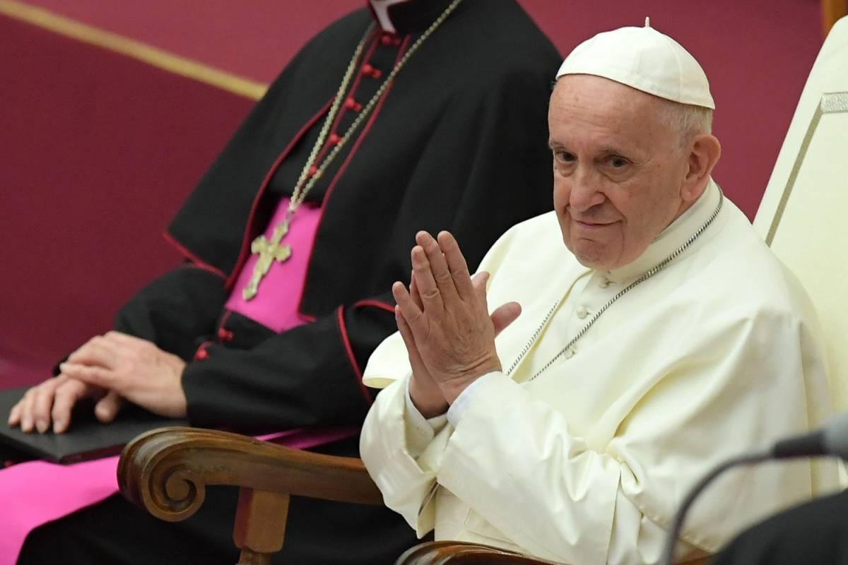 """Il Papa dalla parte dei migranti """"La politica li accusa di tutto"""""""