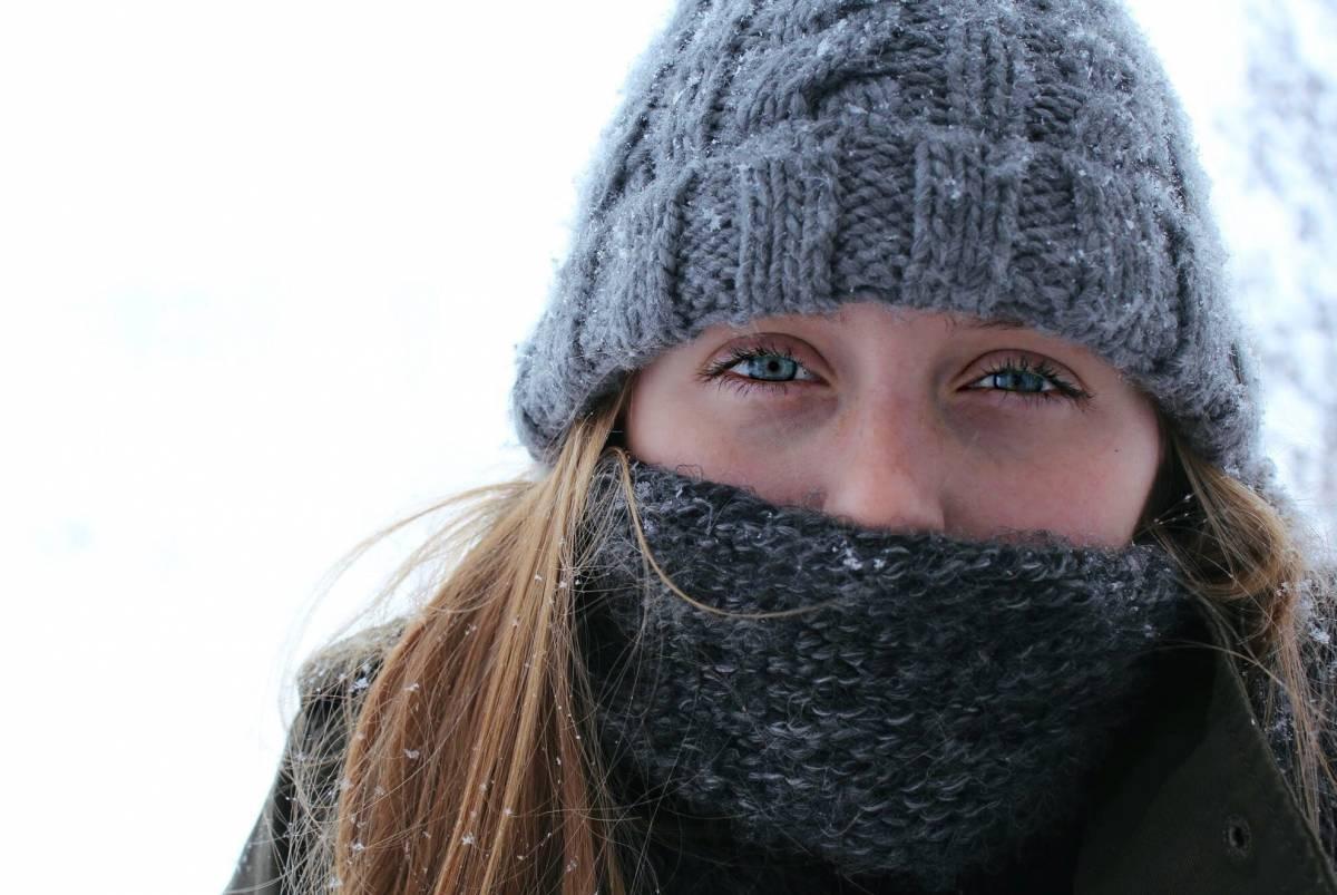 Allergica all'inverno: è orticaria da freddo