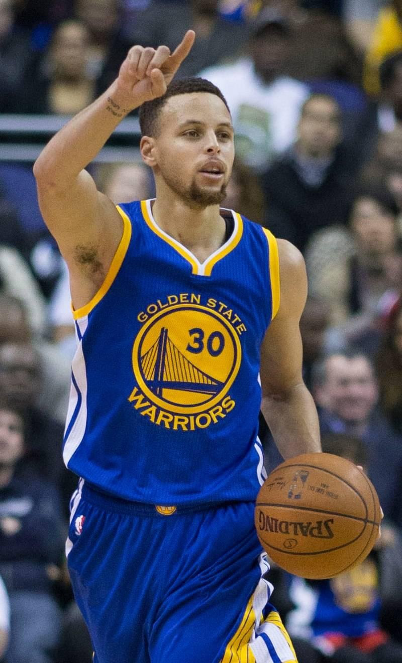 """Curry, cecchino NBA: """"Il mio segreto? Le lenti a contatto"""""""