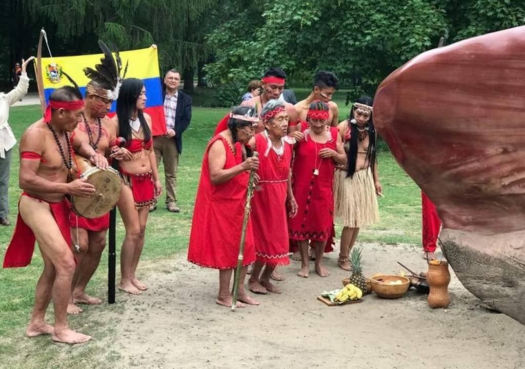 Ora gli sgherri di Maduro uccidono indios per l'oro