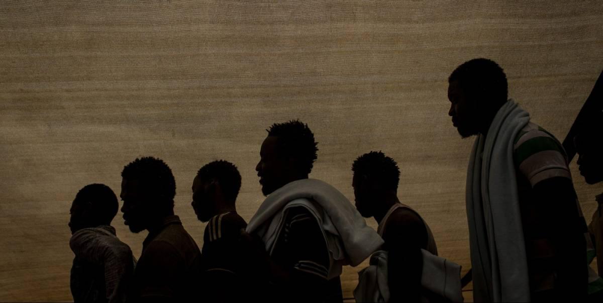 Potenza, paura al Cpr: scoppia rivolta dei migranti contro rimpatrio