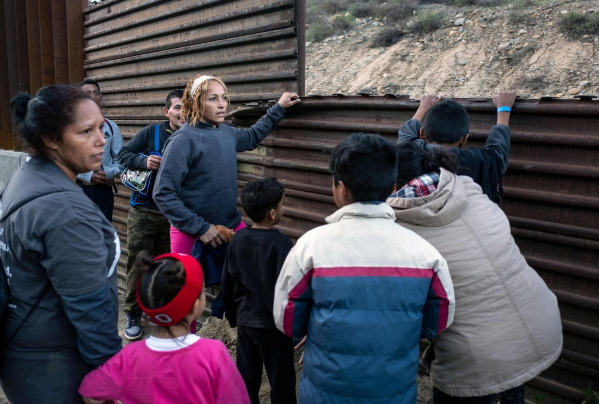 Messico, 1300 immigrati fuggono da centro di detenzione