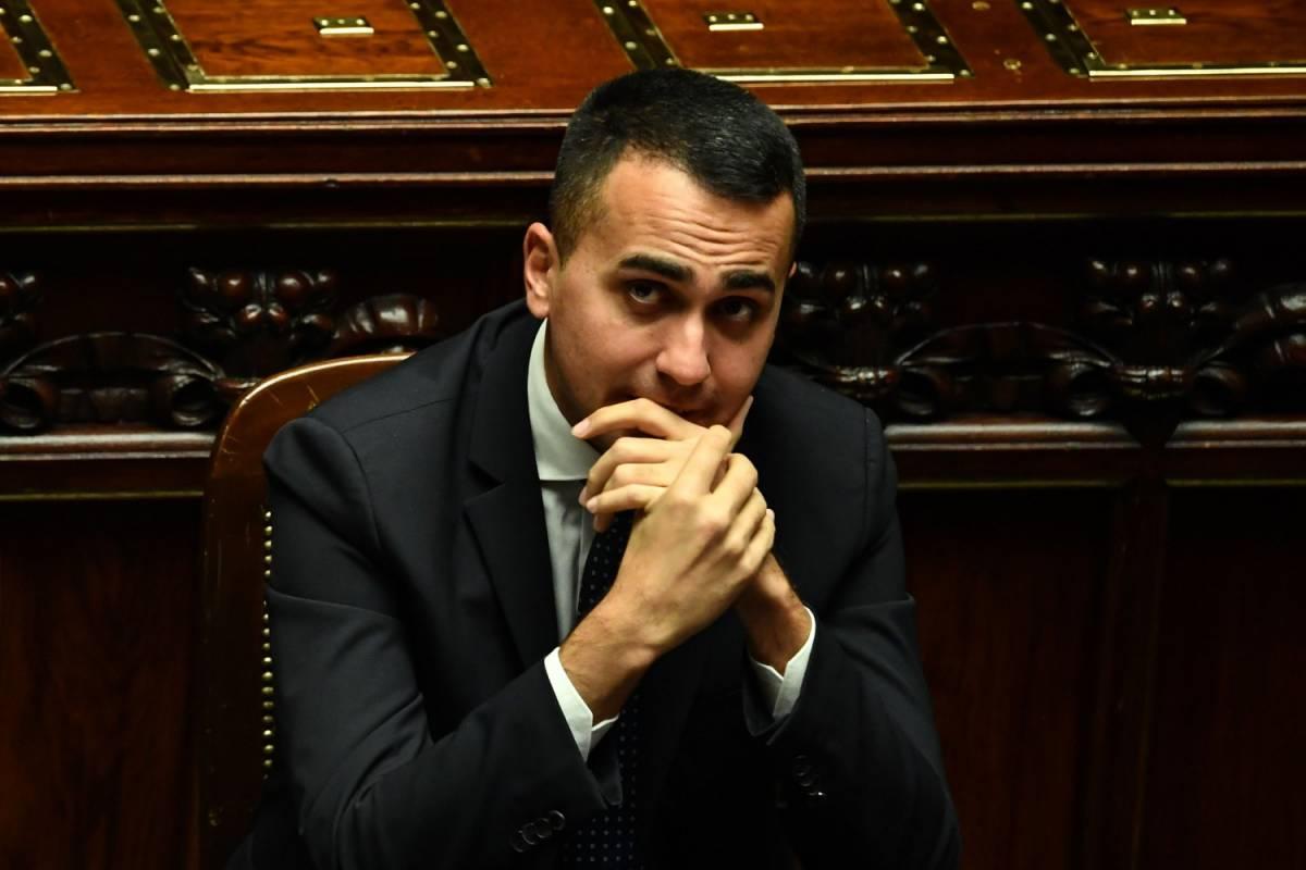 """Di Maio sta con Salvini """"Sì al processo Diciotti, ma testimonio per lui"""""""