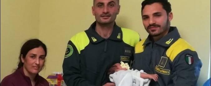 A Crotone sbarcano 51 curdi nel silenzio: falle del sistema di sorveglianza marittimo