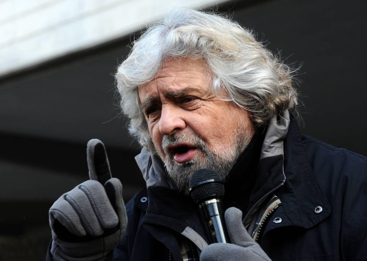 """La provocazione di Grillo: """"Salvini ministro dell'Interno a sua insaputa"""""""