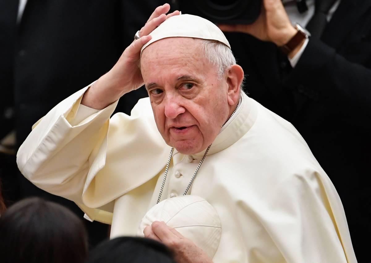 Lo sgarbo del papa ai tradizionalisti: chiusa l'Ecclesia Dei