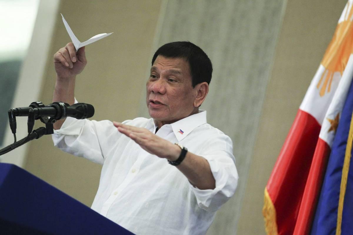 """La riforma di Duterte: """"Bimbi di nove anni potranno finire in galera"""""""