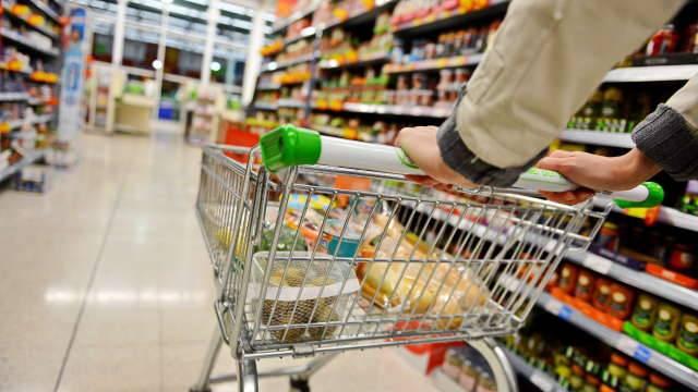 Rapine ai supermercati, in tre finiscono in manette
