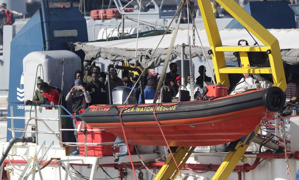 Macron si vendica: non prende più gli immigrati della Sea Watch