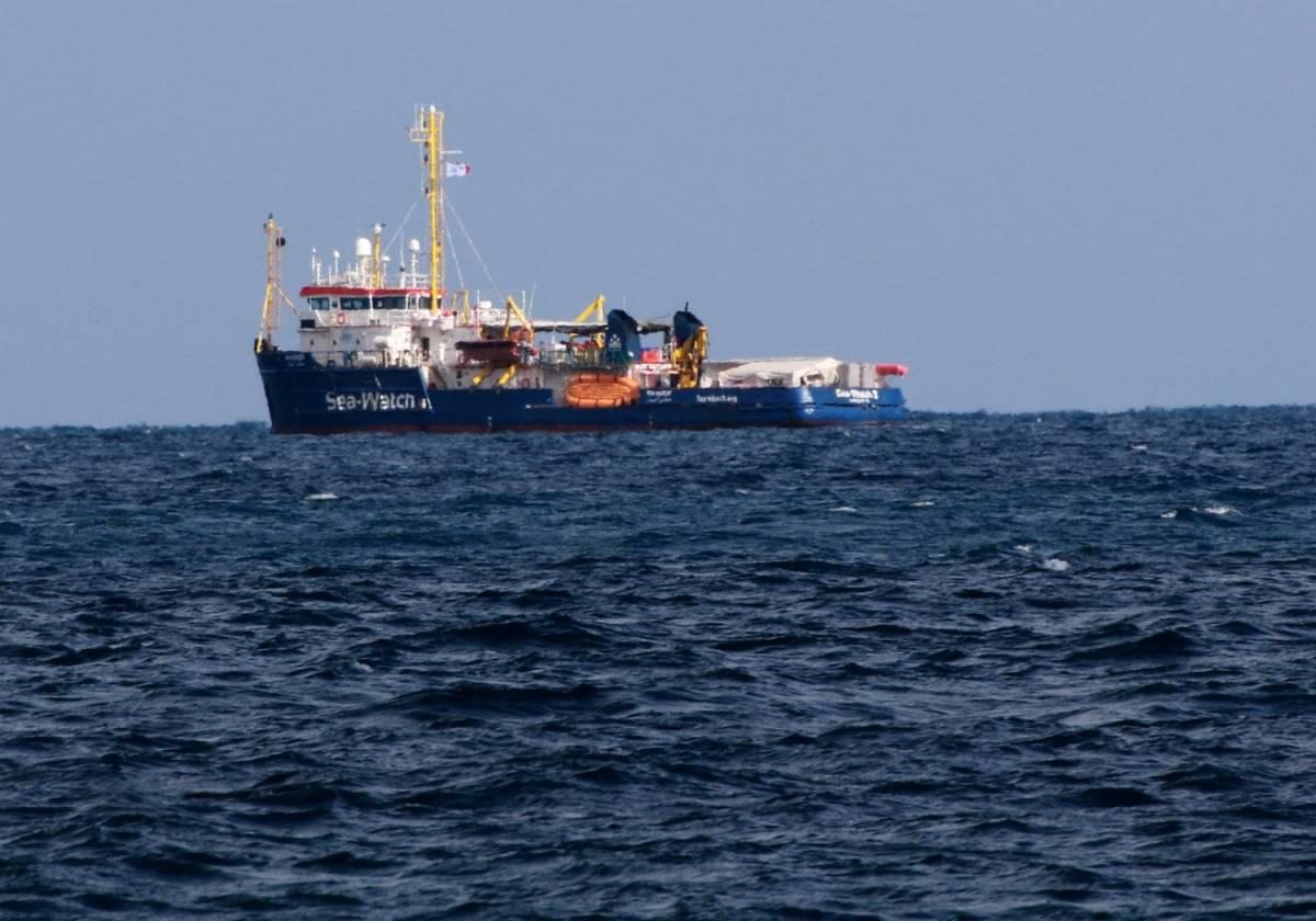 """Migranti, Sea Watch """"inidonea"""": trovate 32 irregolarità a bordo"""