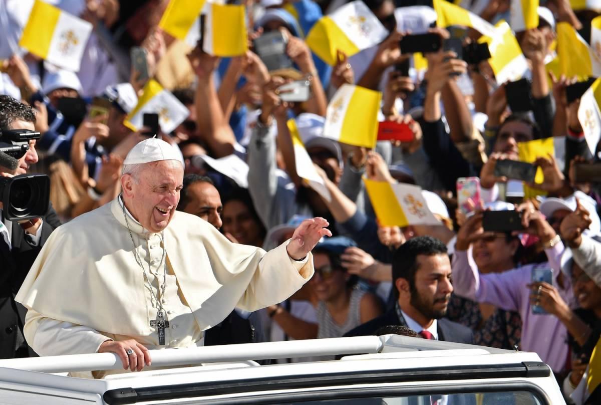 Chiuso il viaggio del Papa negli Emirati, 170mila alla Messa