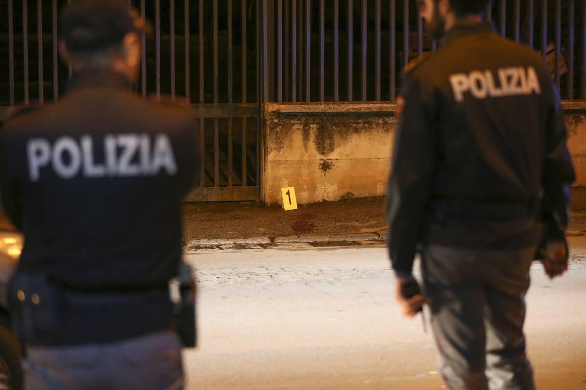 Viareggio, immigrato gli spacca la testa: il poliziotto è grave