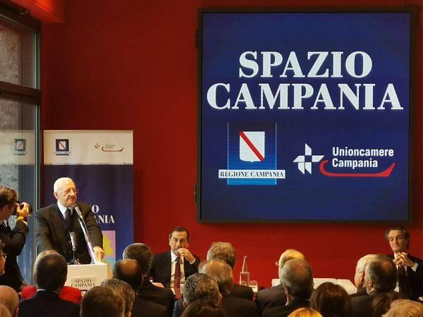 """Asse Milano-Campania su aperture domenicali, """"paletti"""" all'autonomia"""