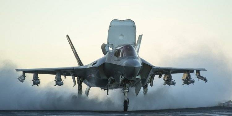F-35B, prima missione di addestramento in modalità Bestia